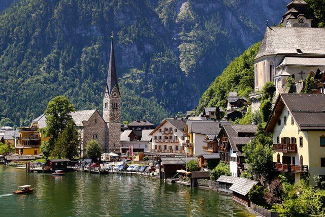 A Daytrip Experience To Hallstatt, Austria